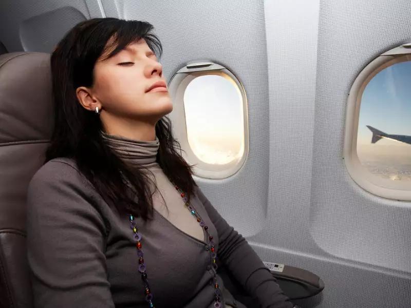 Cảnh báo: Không ăn những thực phẩm này trước khi lên máy bay Ảnh 1
