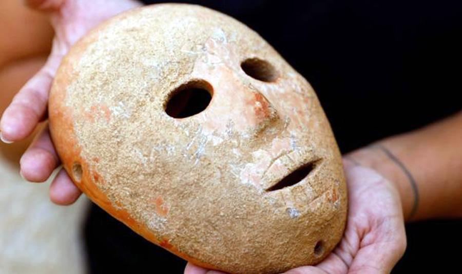 Mặt nạ đá 9.000 năm tuổi Ảnh 1