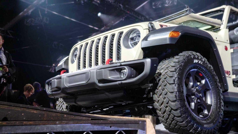 Lạ lẫm với 'lính chiến' bán tải Jeep Gladiator 2020 Ảnh 12