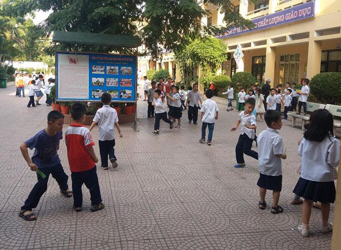 Vụ phạt tát học sinh 50 cái vì nói bậy ở Hà Nội: Lời kể của các em học sinh cùng lớp Ảnh 1