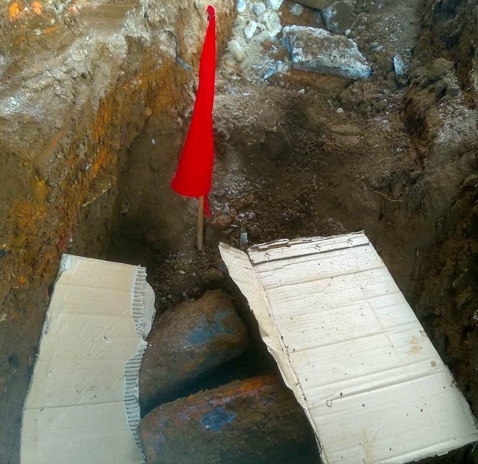 Đào móng công trình, phát hiện kho đạn pháo Ảnh 1