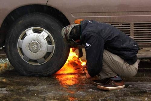 Khắc phục hiện tượng khó khởi động xe khi trời lạnh Ảnh 3