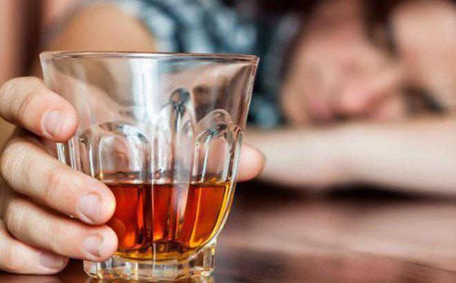 Dấu hiệu người say rượu đang gặp nguy hiểm, cần cấp cứu ngay Ảnh 1