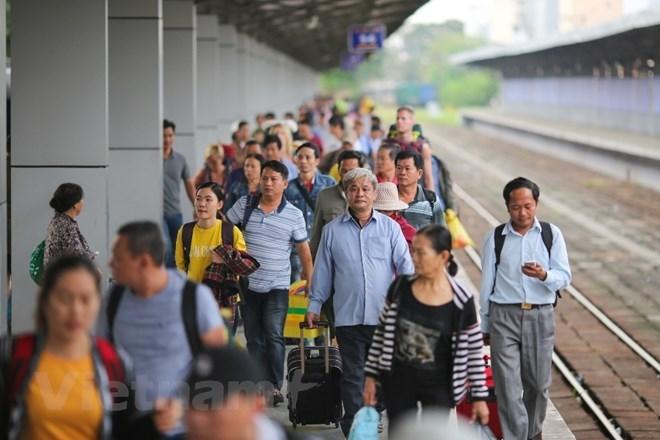 Đường sắt: Từ sụt giảm khách chạm đáy tới bước chạy đà tăng trưởng Ảnh 1