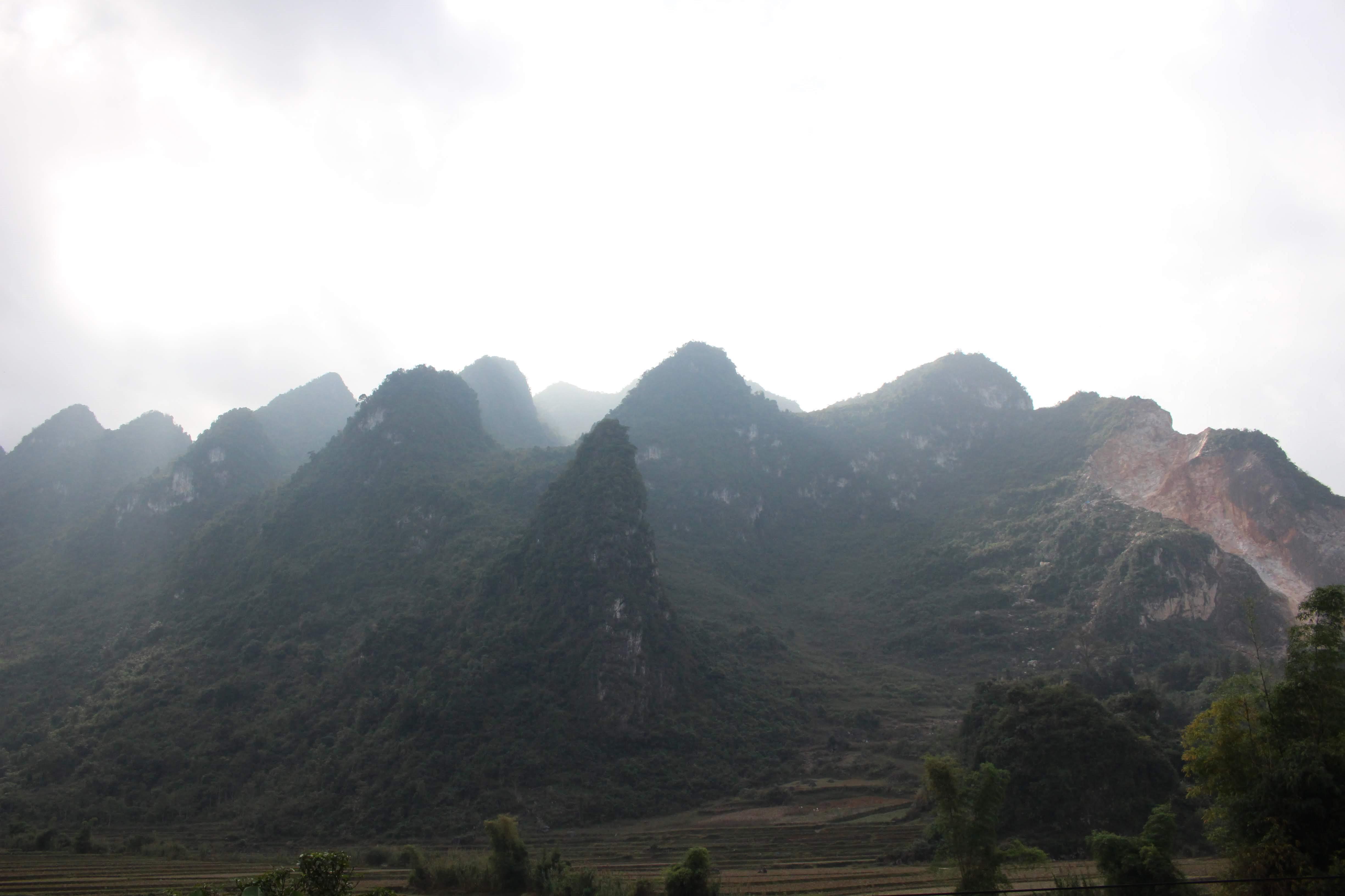 Một ngày ở thác Bản Giốc, động Ngườm Ngao Ảnh 2