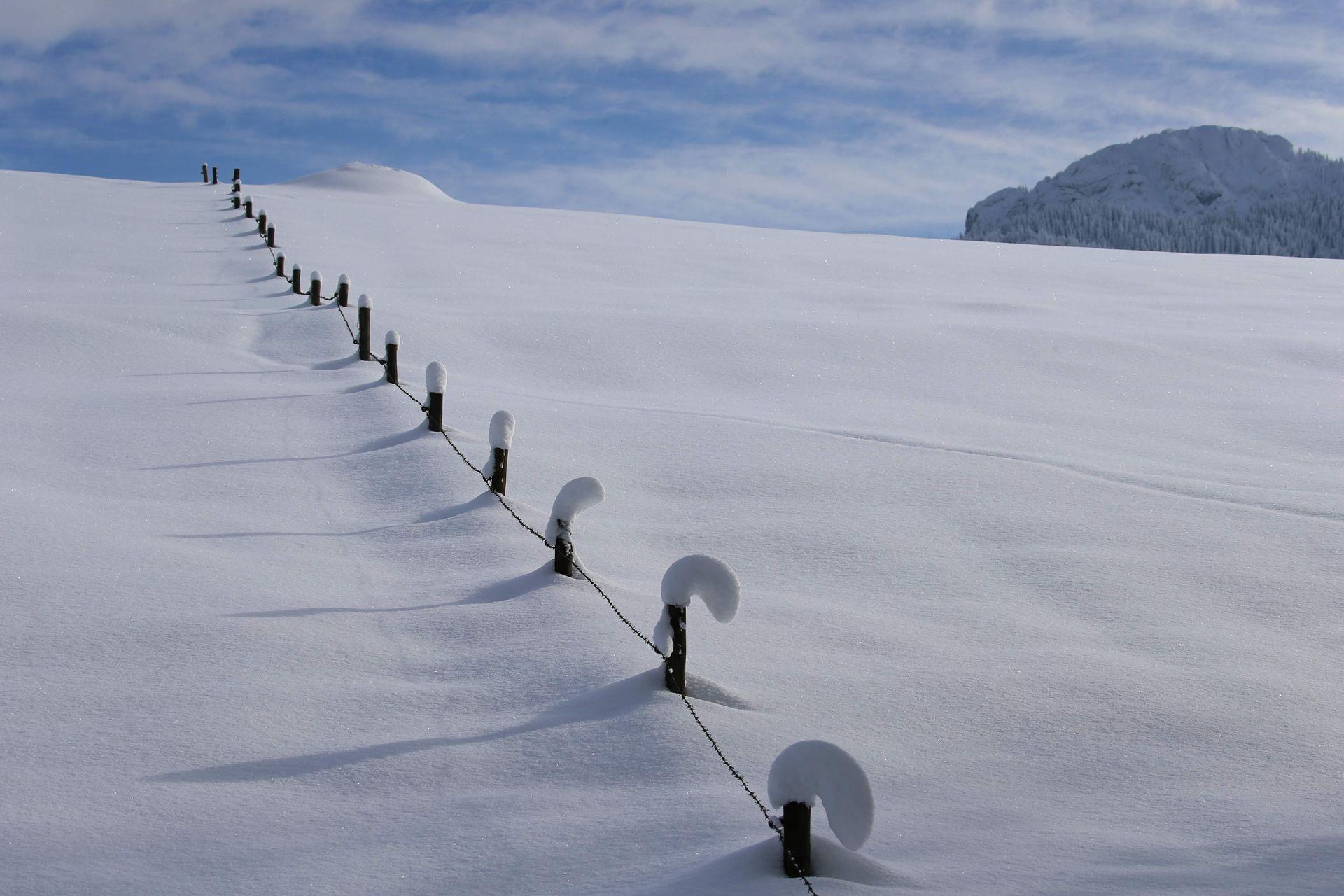 Mùa đông khắc nghiệt với tuyết rơi dày ở nhiều nơi trên thế giới Ảnh 9