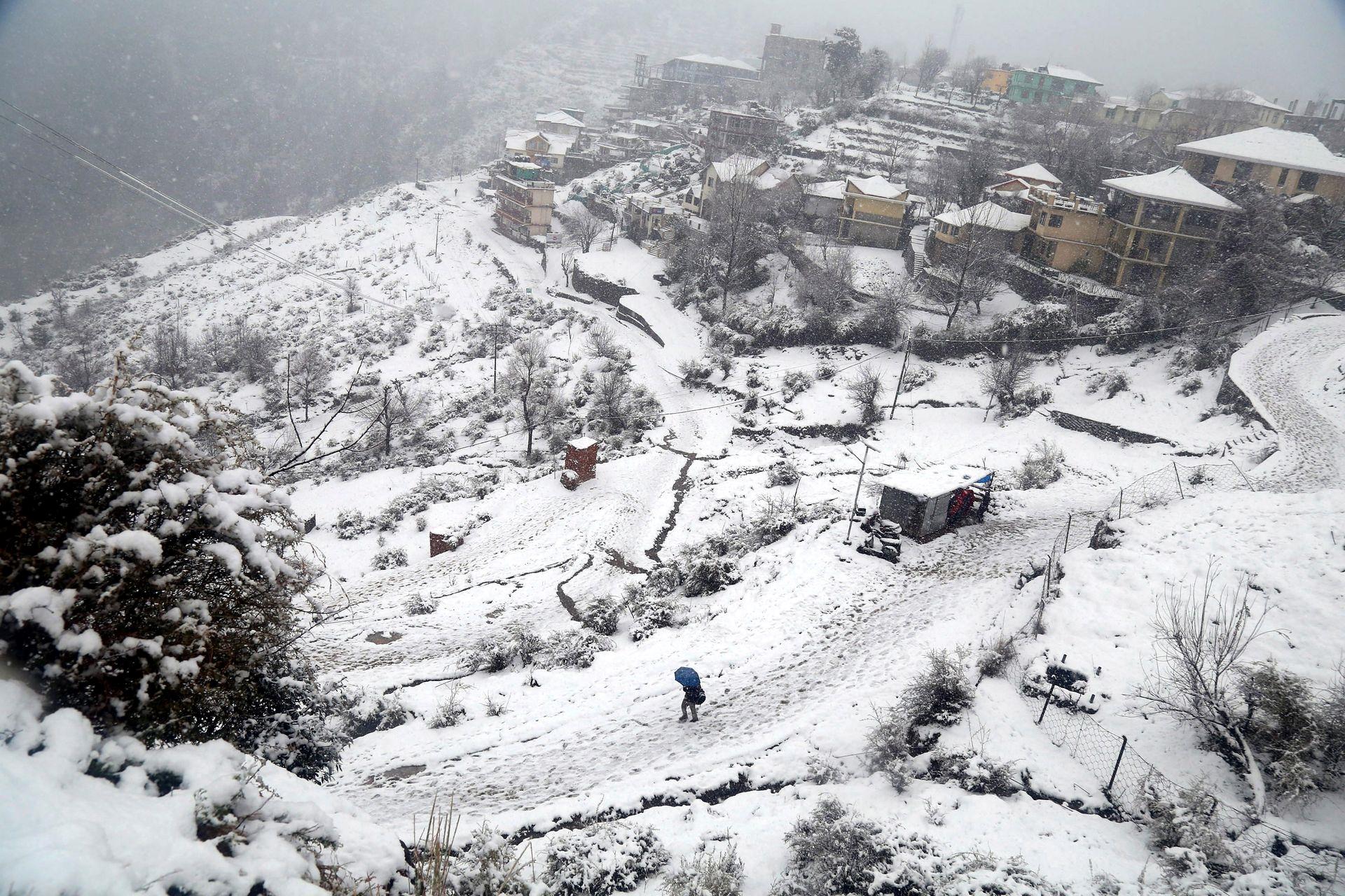 Mùa đông khắc nghiệt với tuyết rơi dày ở nhiều nơi trên thế giới Ảnh 11