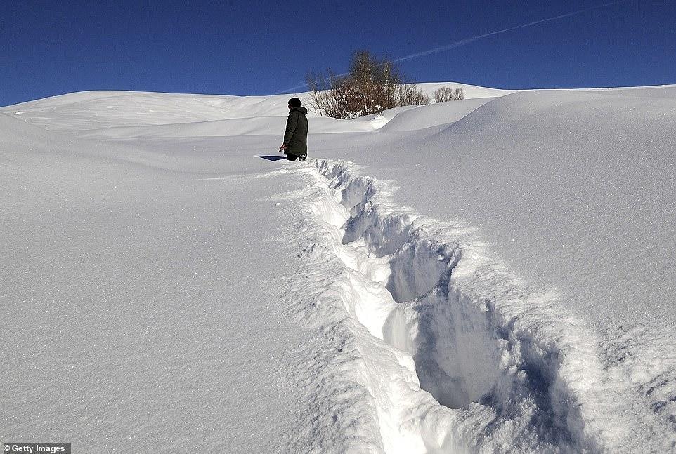 Mùa đông khắc nghiệt với tuyết rơi dày ở nhiều nơi trên thế giới Ảnh 14