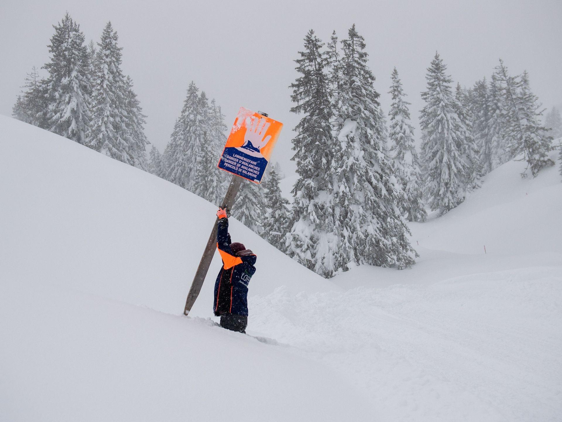 Mùa đông khắc nghiệt với tuyết rơi dày ở nhiều nơi trên thế giới Ảnh 7