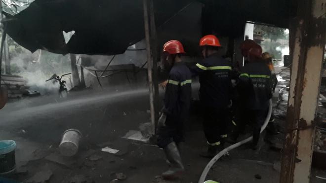 TP. HCM: Căn nhà tại cơ sở câu cá bốc cháy, nhiều cần thủ bỏ chạy tán loạn Ảnh 3