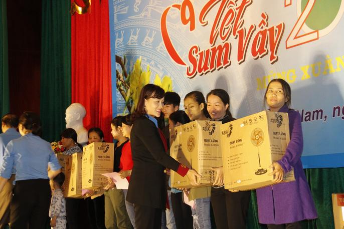 Tết sum vầy ấm áp, hơn 3,5 tỉ đồng đến với công nhân Quảng Nam Ảnh 10