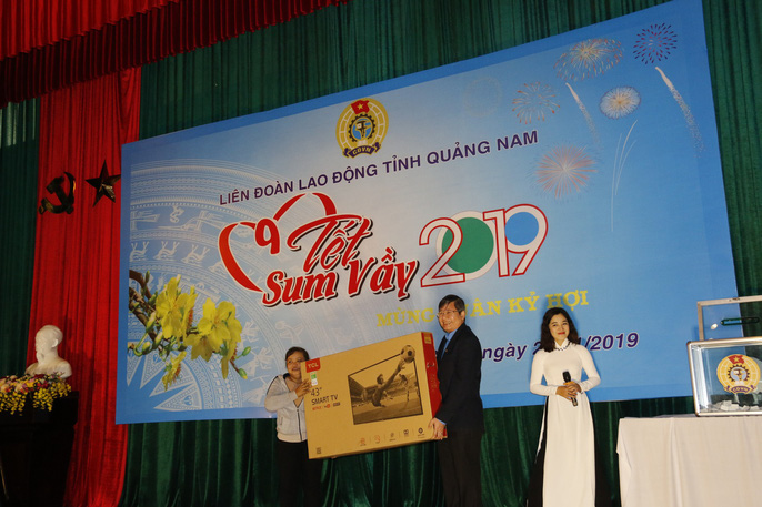 Tết sum vầy ấm áp, hơn 3,5 tỉ đồng đến với công nhân Quảng Nam Ảnh 9