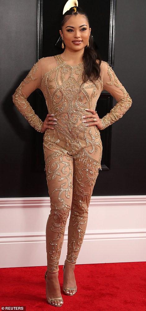 Những thảm họa thời trang tại lễ trao giải Grammy 2019 Ảnh 5