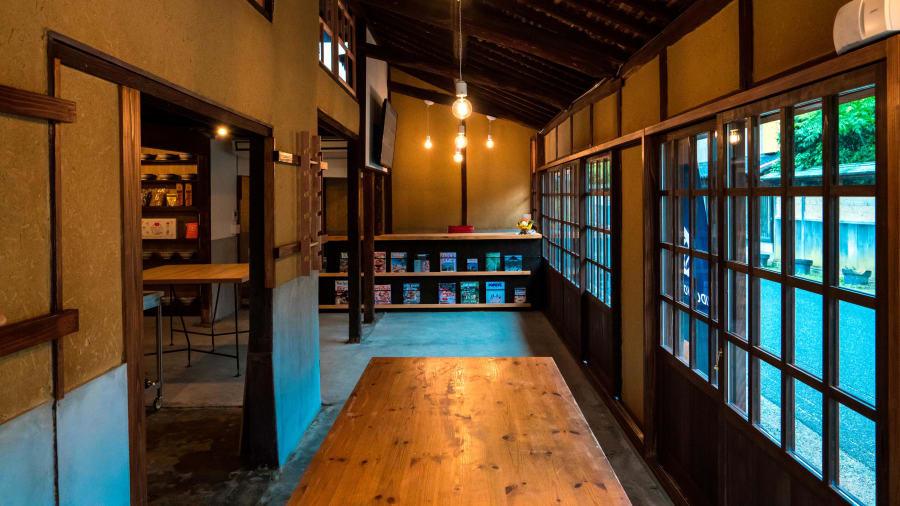 Ăn, ngủ và học làm mì udon ngay trong tiệm tại Nhật Bản Ảnh 2