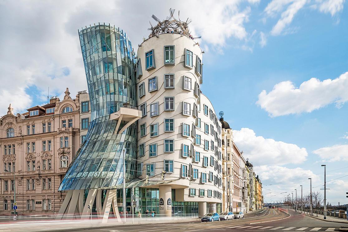 10 tòa nhà méo mó, vặn vẹo như chỉ có trong phim viễn tưởng Ảnh 1