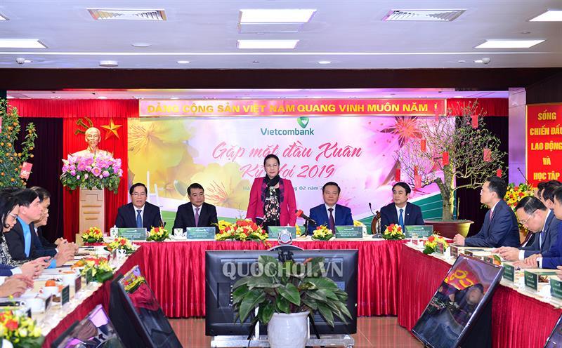 Chủ tịch Quốc hội thăm, chúc Tết Vietcombank Ảnh 1