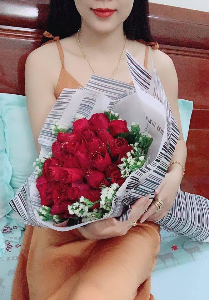 Khoe Valentine chẳng cần người yêu vì có anh bạn thân tặng hoa và nhẫn, cô gái nhận về toàn phản ứng trái chiều Ảnh 4