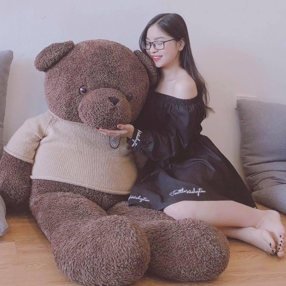 Bạn gái Quang Hải bị chỉ trích vì thích mặc đồ hở vai, thiếu vải Ảnh 5