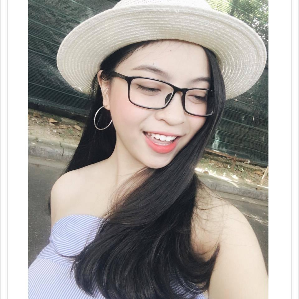Bạn gái Quang Hải bị chỉ trích vì thích mặc đồ hở vai, thiếu vải Ảnh 8