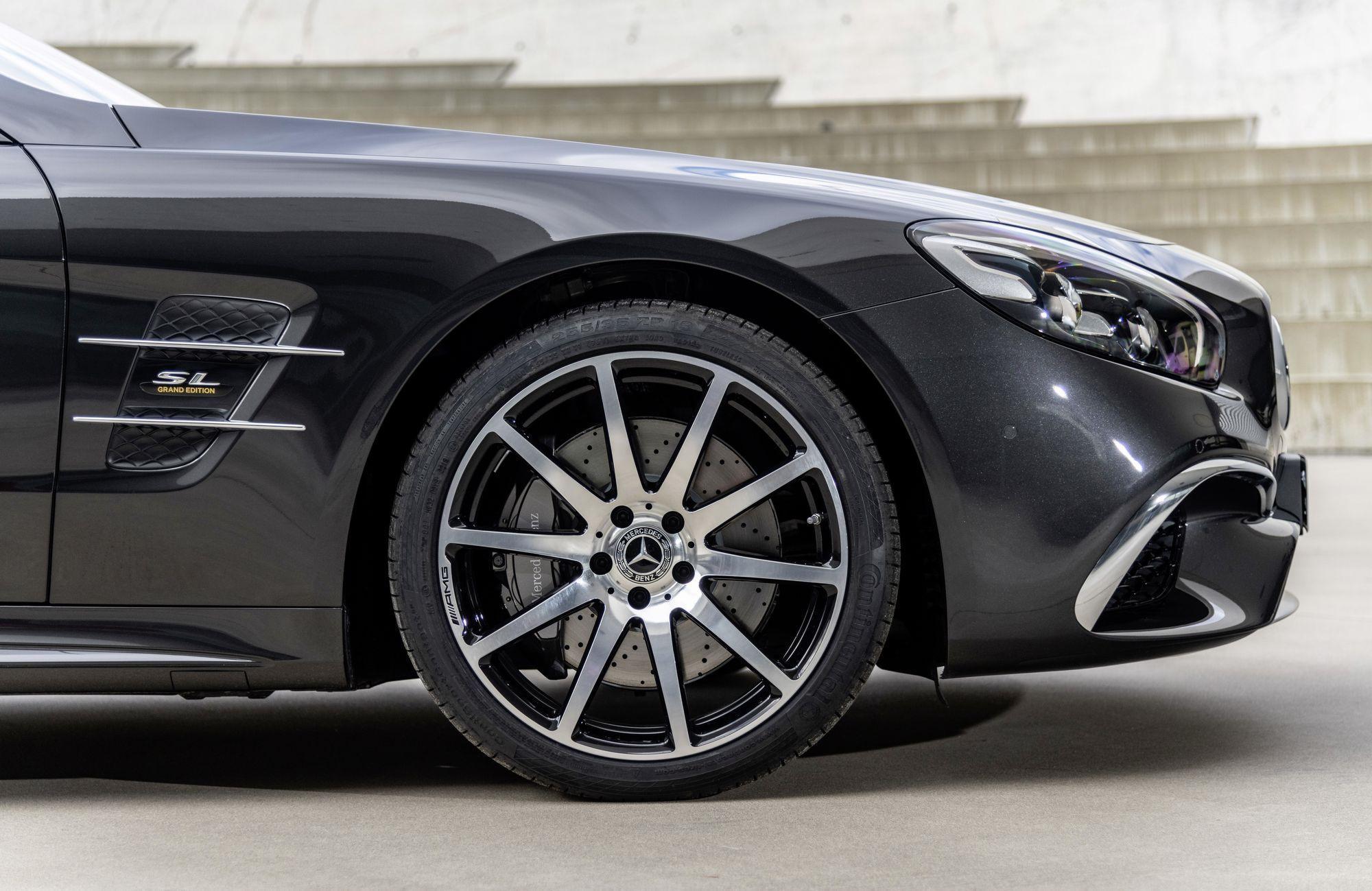 Mui trần hạng sang Mercedes-Benz SL Grand Edition giá từ 130.000 USD Ảnh 2