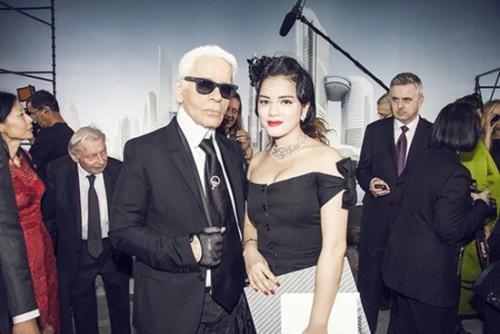 Tiết lộ người đẹp Việt hiếm hoi được trò chuyện với Karl Lagerfeld Ảnh 1