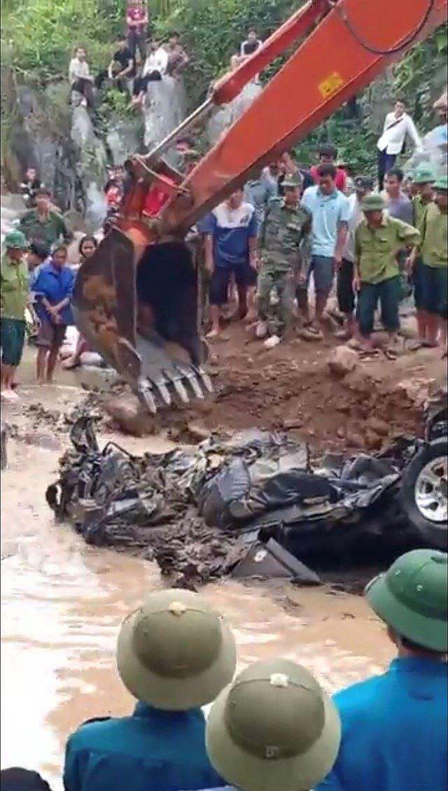 Tìm thấy xe chở 2 chiến sỹ biên phòng sau hơn 1 năm bị lũ cuốn Ảnh 3