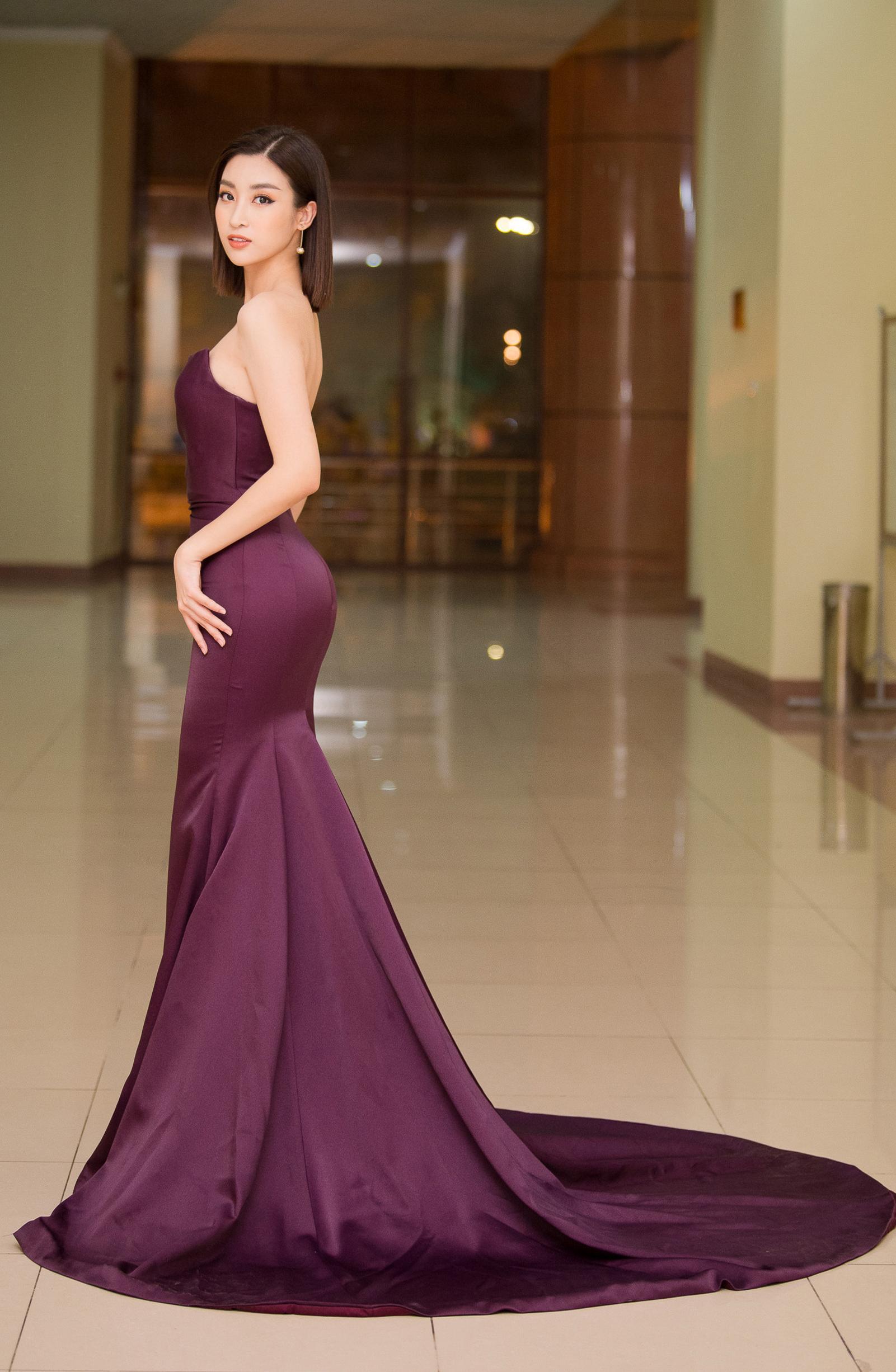 Hoa hậu Đỗ Mỹ Linh mê hoặc mọi ánh nhìn nhờ body như nữ thần và nhan sắc tinh khiết Ảnh 4