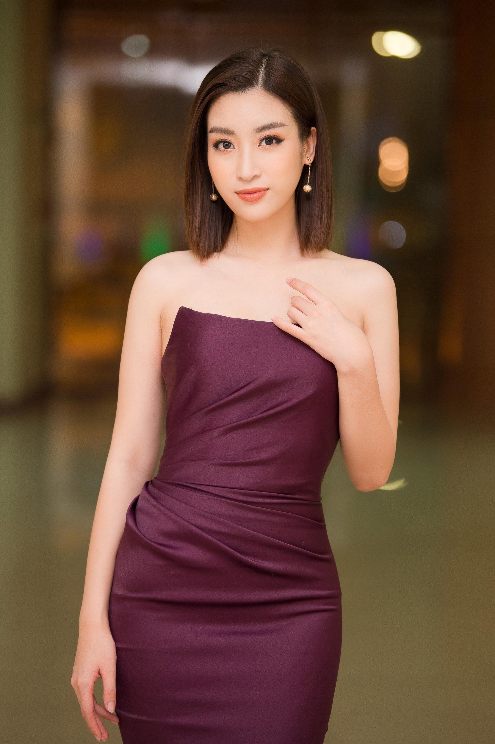 Hoa hậu Đỗ Mỹ Linh mê hoặc mọi ánh nhìn nhờ body như nữ thần và nhan sắc tinh khiết Ảnh 2