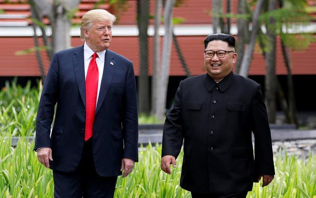 Ông Kim Jong-un sẽ chọn trang phục nào khi gặp ông Trump tại Hà Nội? Ảnh 1