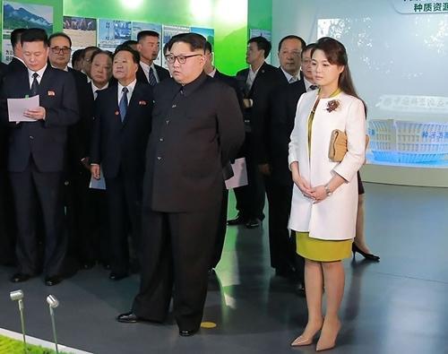 Phu nhân ông Kim Jong Un: Biểu tượng thời trang của phụ nữ Triều Tiên Ảnh 3