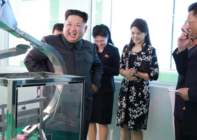 Phu nhân ông Kim Jong Un: Biểu tượng thời trang của phụ nữ Triều Tiên Ảnh 9