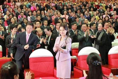 Phu nhân ông Kim Jong Un: Biểu tượng thời trang của phụ nữ Triều Tiên Ảnh 10