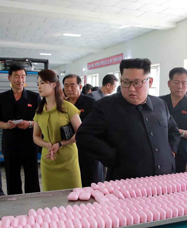 Phu nhân ông Kim Jong Un: Biểu tượng thời trang của phụ nữ Triều Tiên Ảnh 8