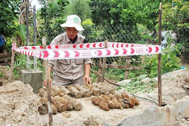 Phát hiện quả bom gần 350kg khi đào móng nhà Ảnh 3