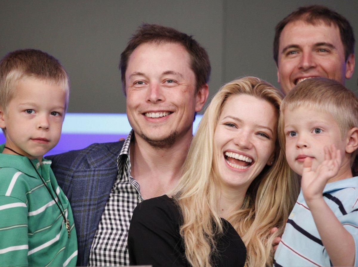 Elon Musk từng sống với 1 đô la một ngày và những bí mật thời thơ ấu của tỷ phú công nghệ Ảnh 6