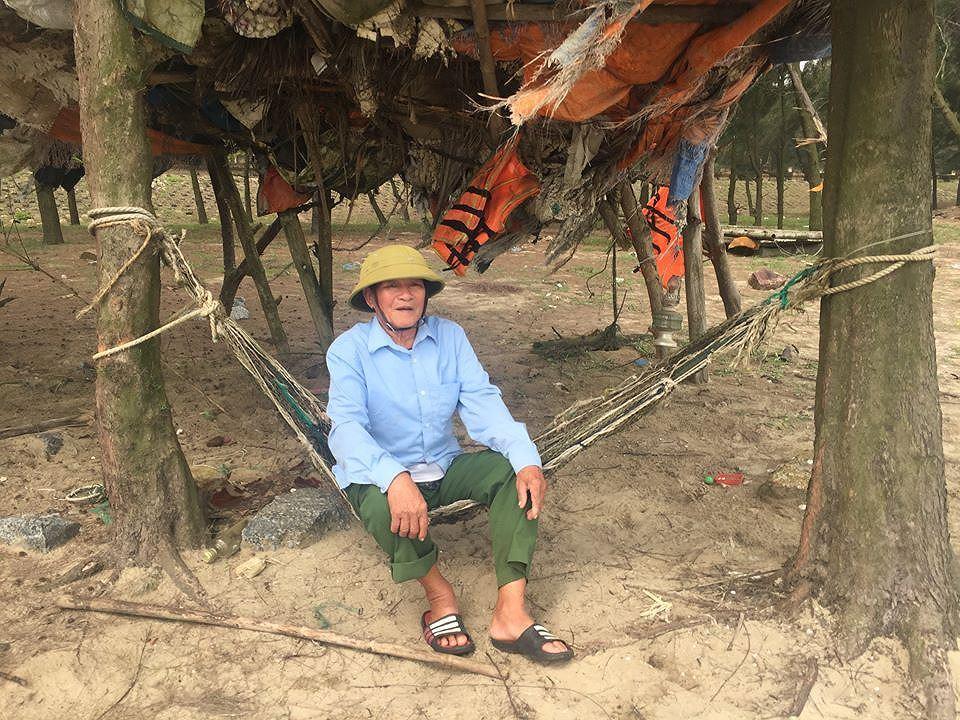 Chuyện cựu binh xứ Nghệ giành tiền trồng phi lao cứu người Ảnh 1