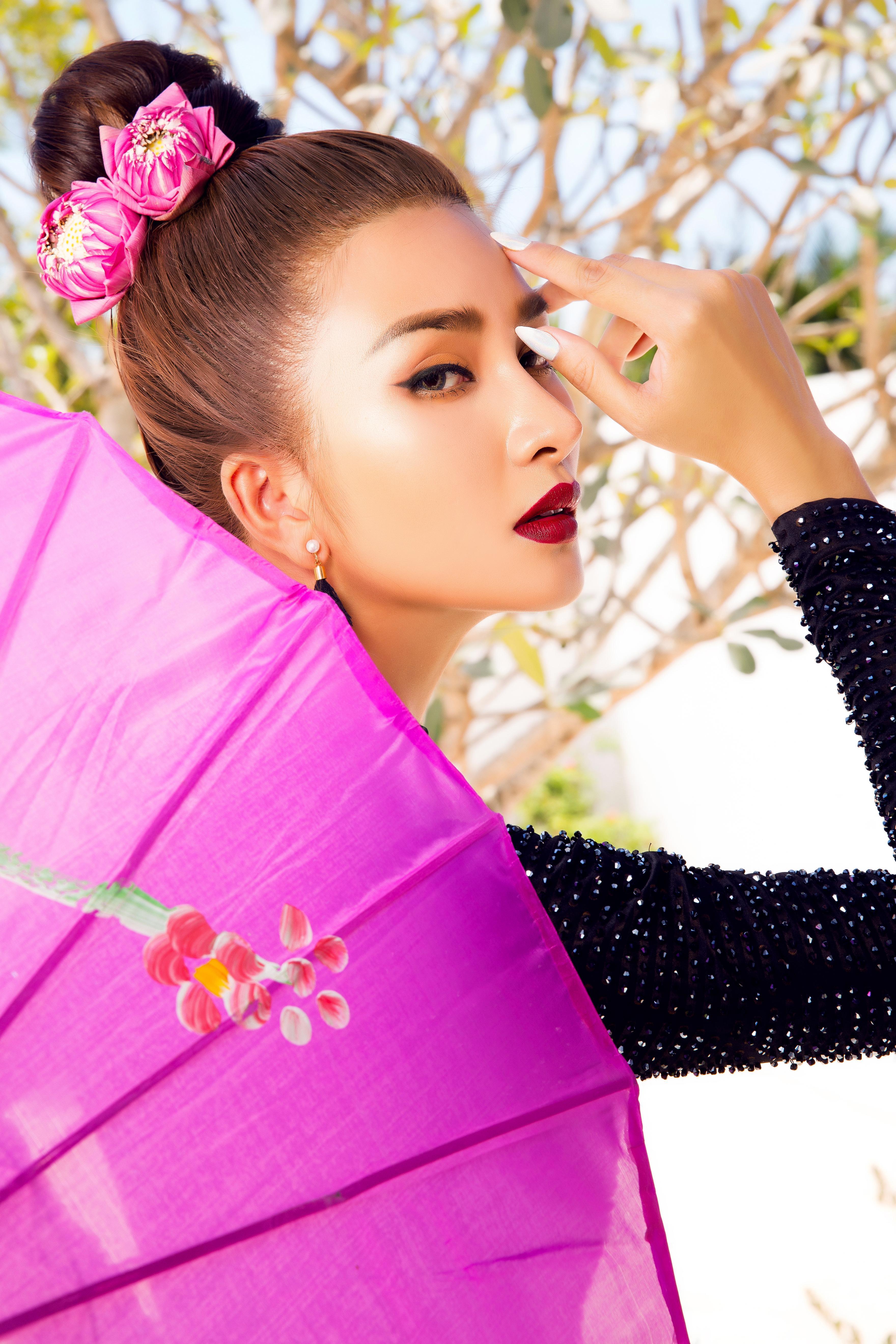Kim Tuyến diện áo dài cách tân khoe vai trần nõn nà Ảnh 14