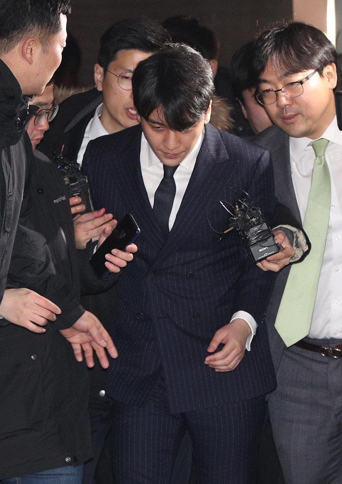 Choi Jong Hoon trình diện, Seungri bị tố tổ chức mại dâm ở nước ngoài Ảnh 8