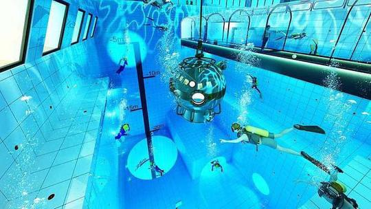 Hồ bơi sâu nhất thế giới Ảnh 2