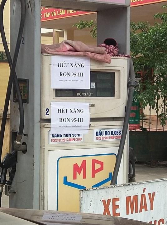 Nhiều cây xăng Hà Nội báo hết hàng, ngừng bán xăng RON 95 Ảnh 1