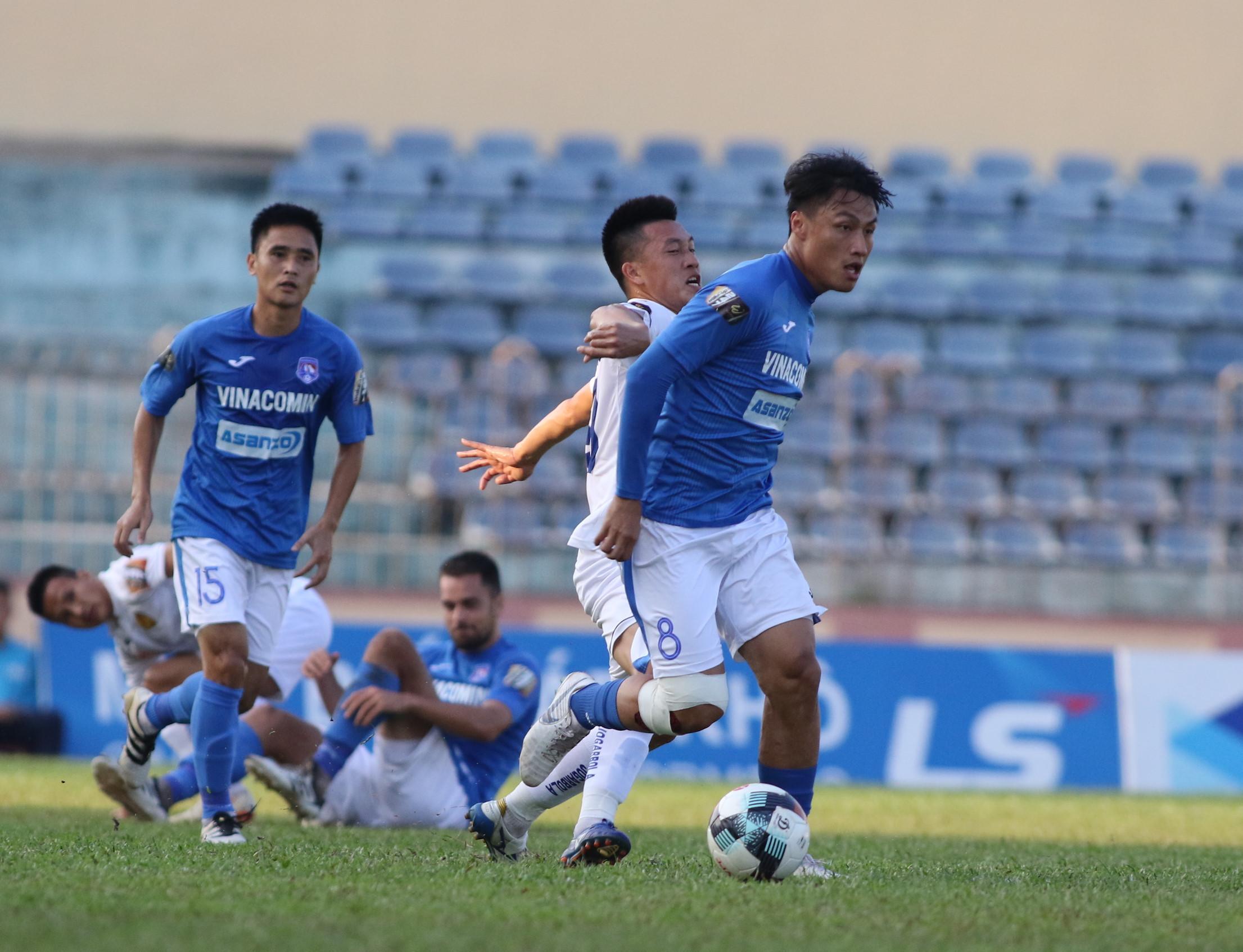 Mạc Hồng Quân giúp Than Quảng Ninh đánh bại cựu vương V-League Ảnh 1