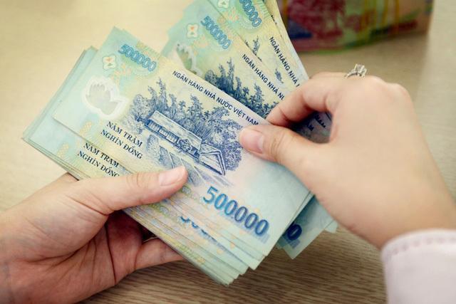Chưa con cái, lương 20 triệu/tháng không đủ tiêu: Vợ chồng trẻ khủng hoảng Ảnh 1