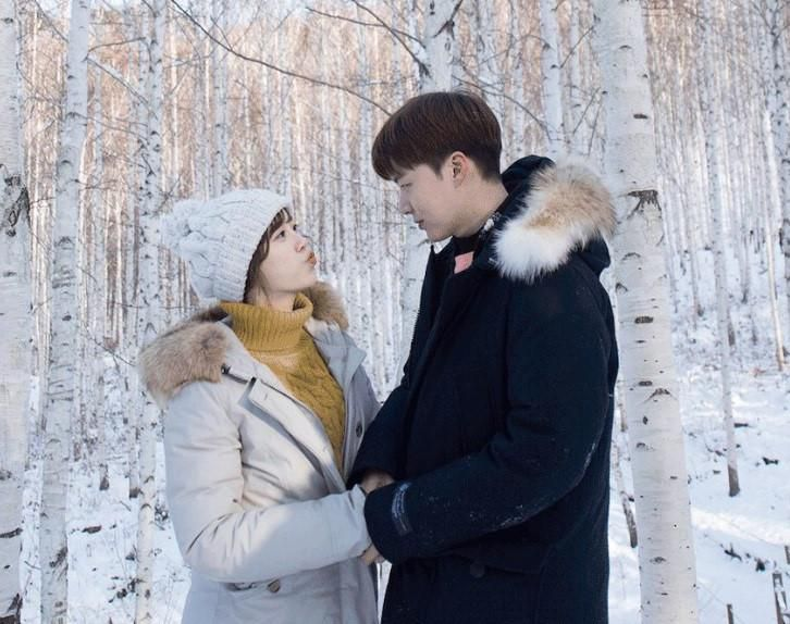 Gu thời trang của cặp vợ chồng lệch tuổi 'đẹp như hoa' xứ Hàn Ảnh 11