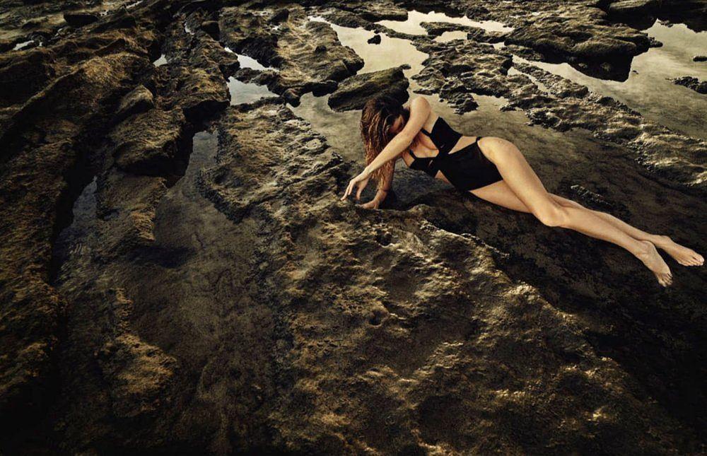 Siêu mẫu Gisele Bundchen hóa nữ thần biển cả táo bạo gợi cảm Ảnh 10