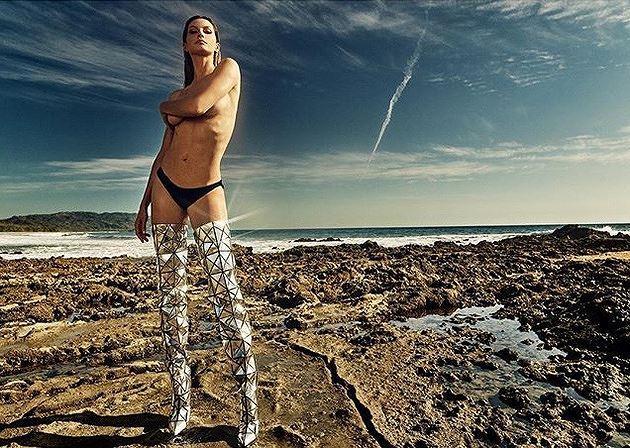 Siêu mẫu Gisele Bundchen hóa nữ thần biển cả táo bạo gợi cảm Ảnh 17