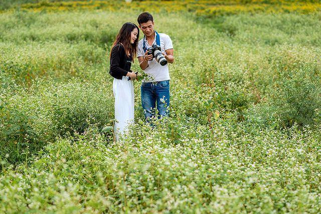 Mãn nhãn vườn hoa tam giác mạch gần 1 ha ở Hà Nội 'hút' khách tham quan Ảnh 9