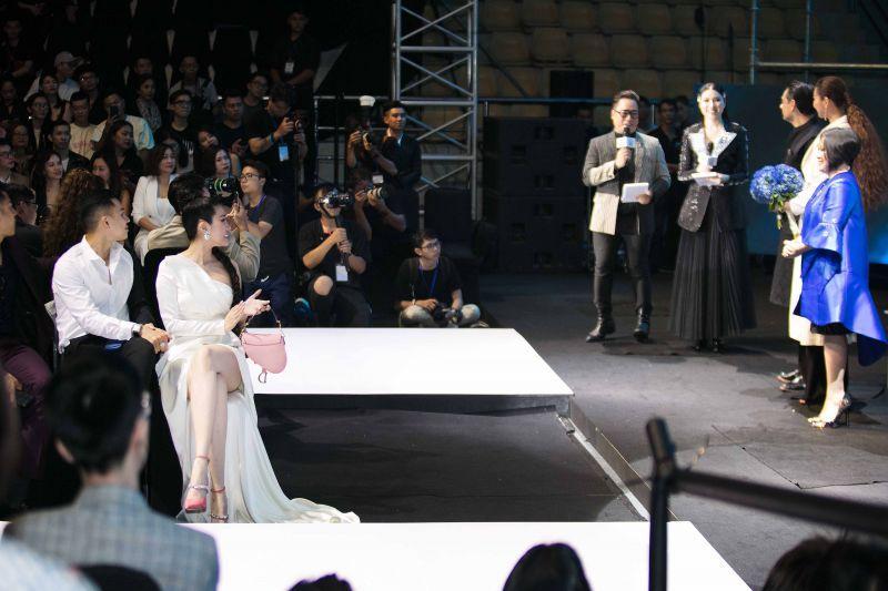 Emily Hồng Nhung diện cây hàng hiệu bạc tỷ dự sự kiện Ảnh 4