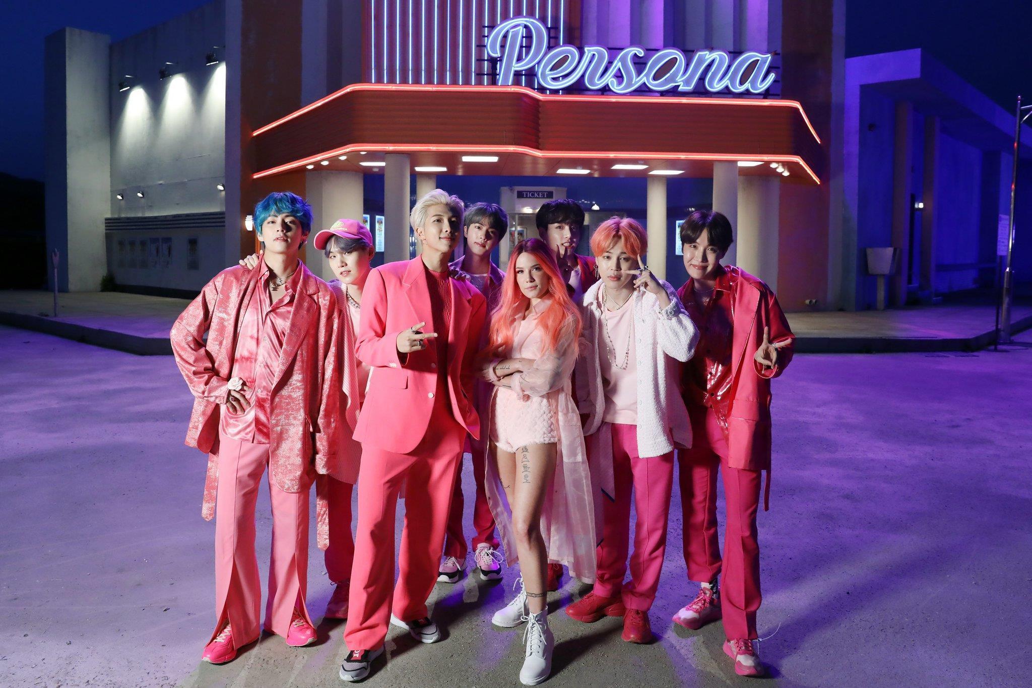 Kho tàng giày sneakers của BTS đa dạng trong sắc hồng ngọt ngào Ảnh 1