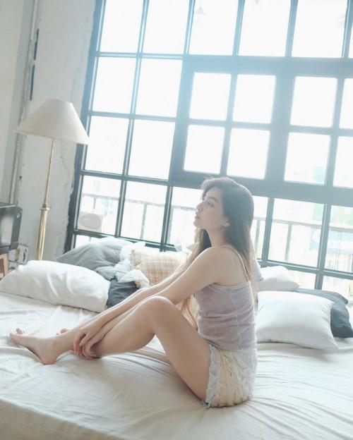 Vẻ đẹp mong manh như sương sớm của 'hot girl IELTS 8.5' Ảnh 6