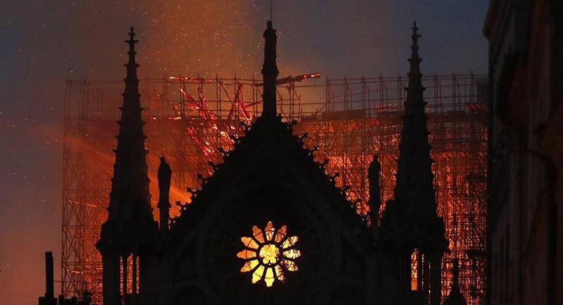 Vụ cháy Nhà thờ Đức Bà Paris đã được tiên đoán trước? Ảnh 3